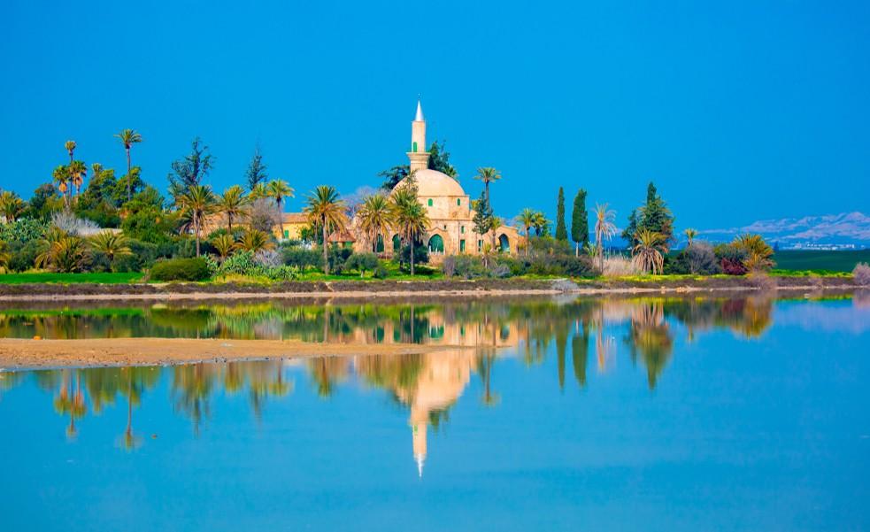 """Islamische Heiligtümer: in Larnaka steht die Moschee """"Hala Sultan Tekkes"""". (#4)"""